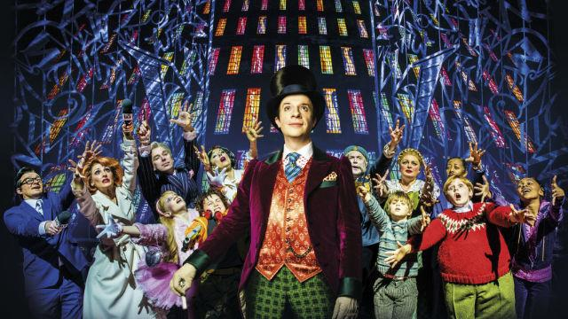 charlie-and-the-chocolate-factory-the-musical-at-the-theatre-royal-drury-lane_jonathan-slinger-as-willy-wonka-in-charlie-and-the-chocolate-factory-image-matt-crockett_6ebaf96dbdde37149b4d8844